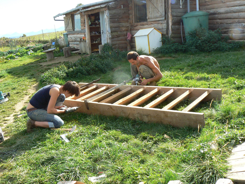 R sum de la vie oleac dessus ces 3 derniers jours isolation paille du toit jardin et for Escalier dans un jardin